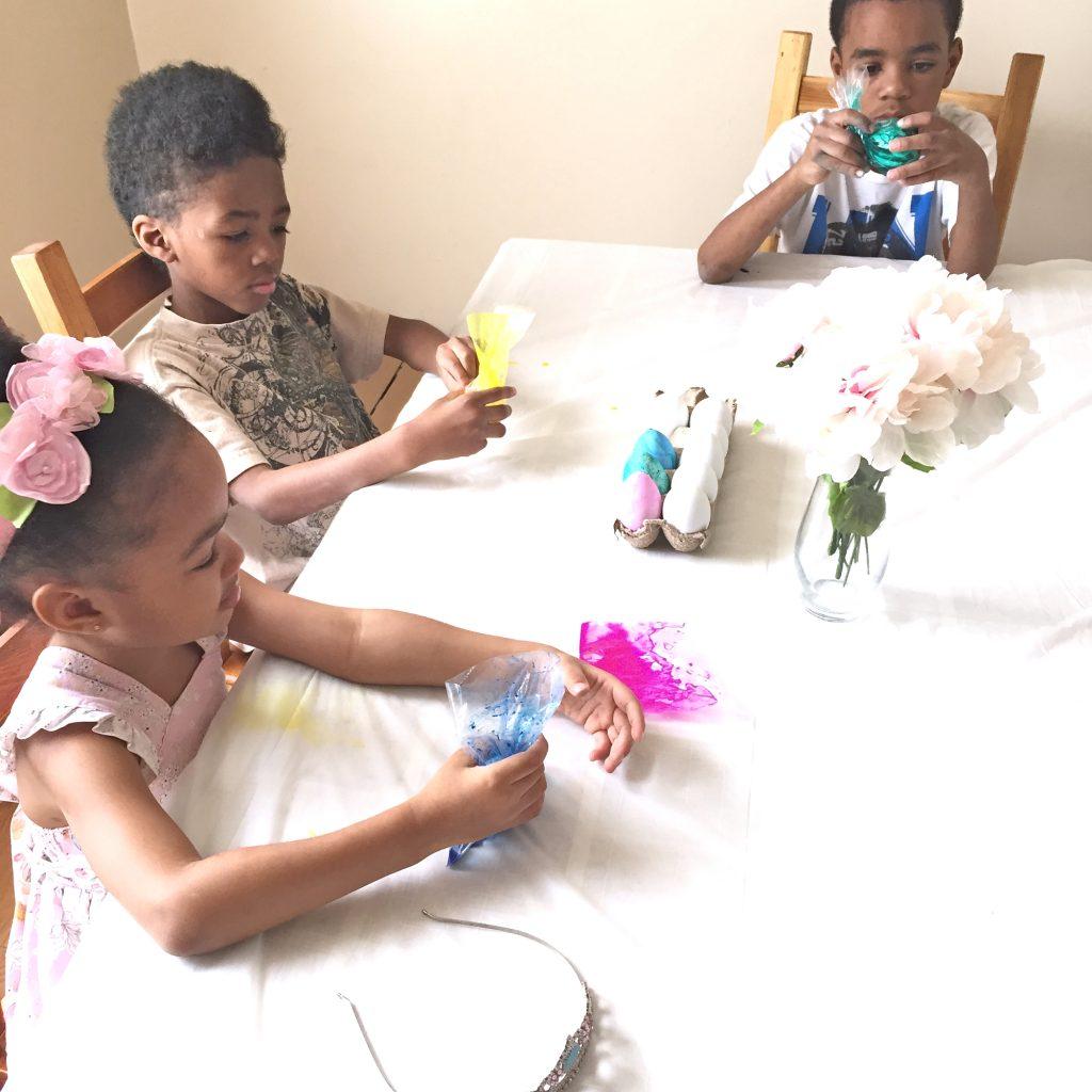 Vegan Easter Eggs Dyeing
