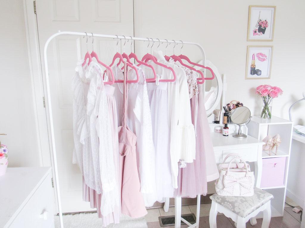 feminine capsule wardrobe