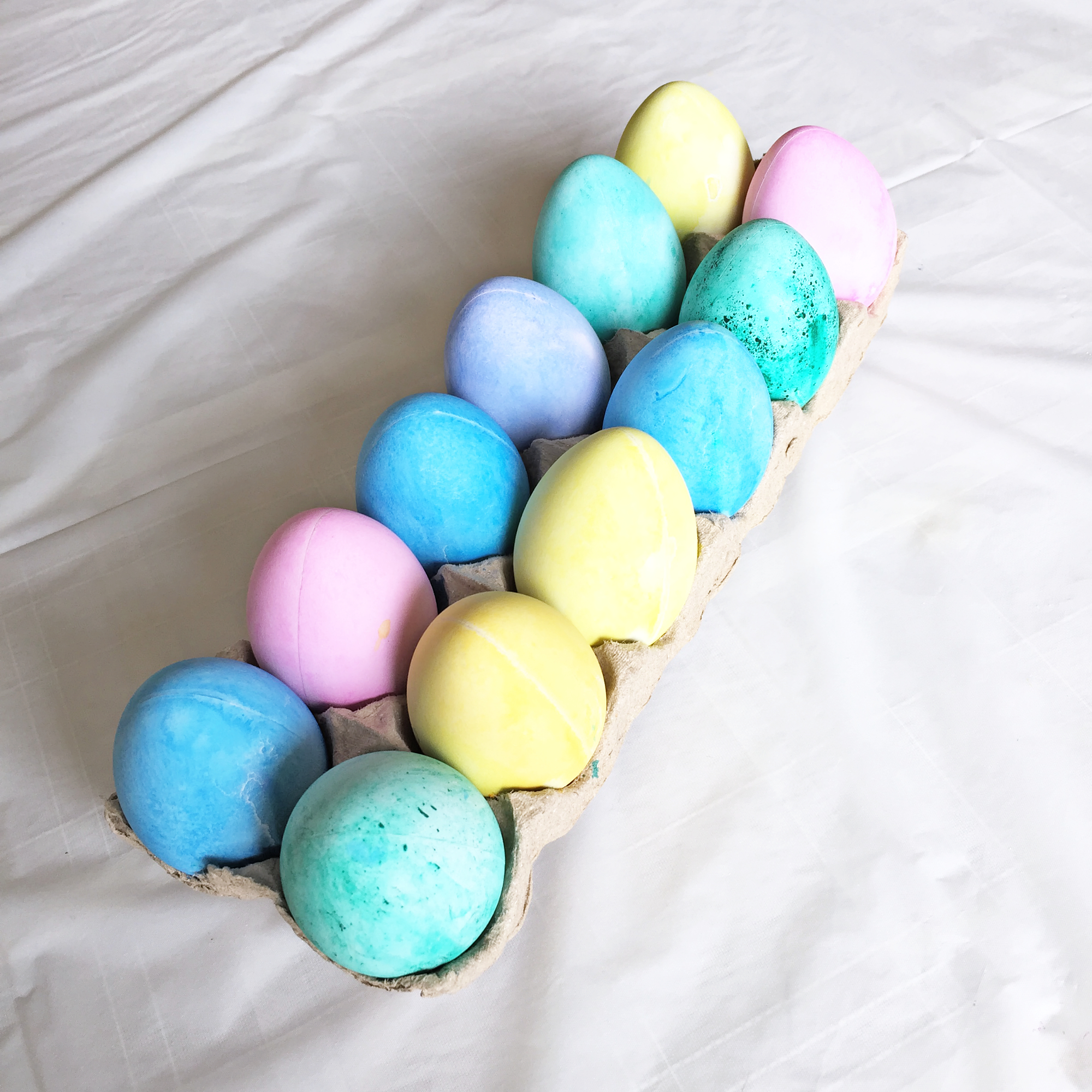Vegan Easter Eggs Dyeing